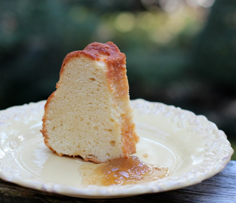 Cream Cheese Pound Cake Recipe | Bakepedia