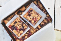 Cherry Crumble Bars1