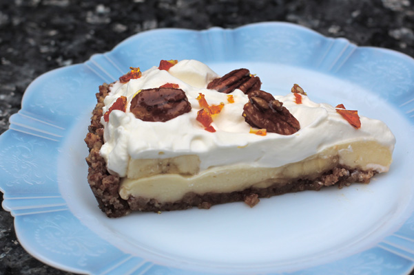 Gluten-Free Banana Cream Pie in Pecan Crust Recipe | Bakepedia