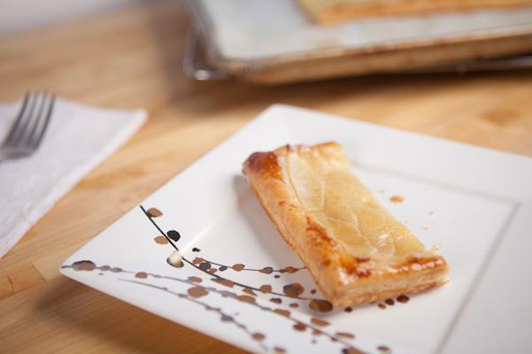 honey apple tart slice