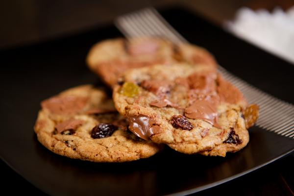 milk chocolate chunk cookie