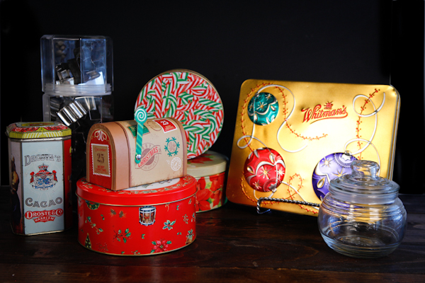 containers used for shipping baked goods