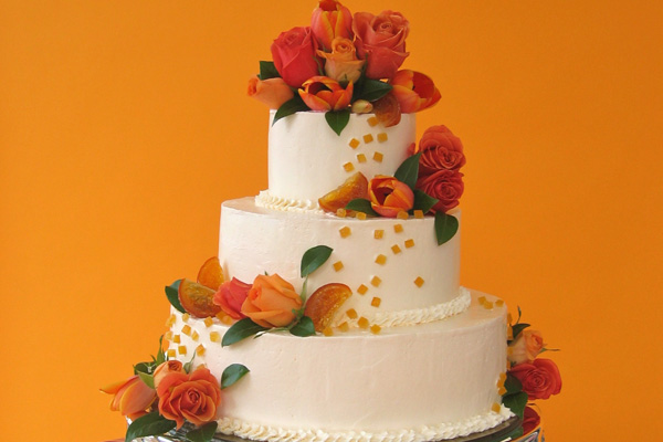 Cake Decorating Without Fondant : Making Wedding Cakes Without Fondant Bakepedia Tips
