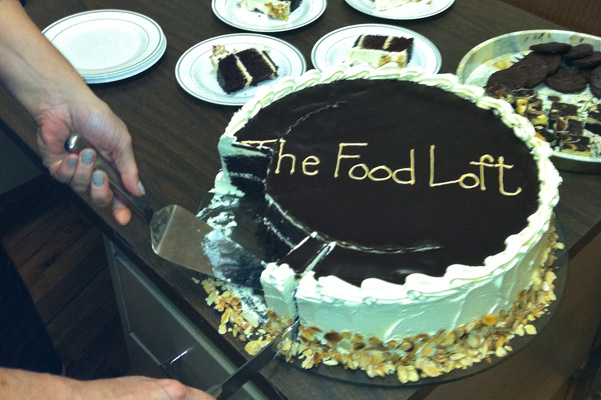 Cutting-a-large-cake