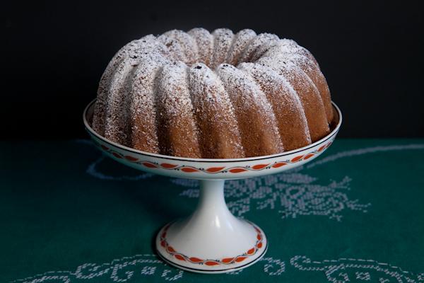 muscovado-cake-whole