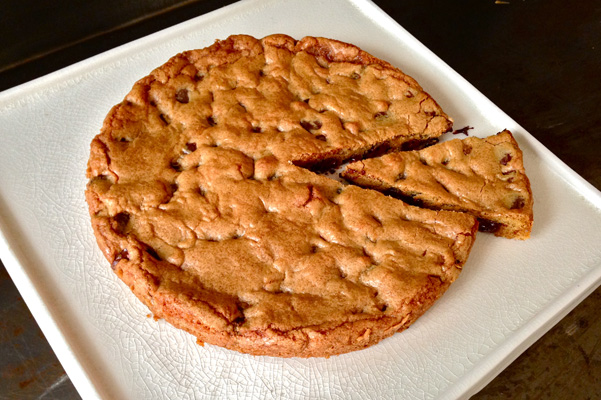 Giant Chocolate Chip Cookie Cake Images & Pictures - Becuo