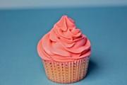 perfect buttercream swirl on a cupcake