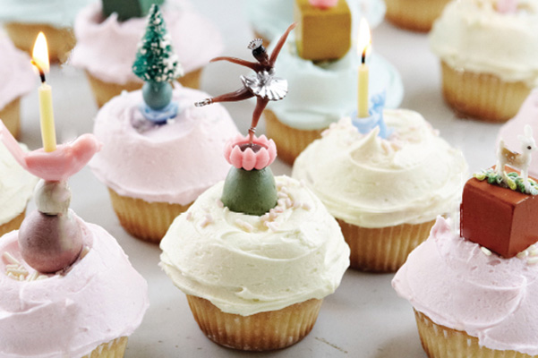 Old-Fashioned Cupcakes with Buttercream Frosting| Bakepedia