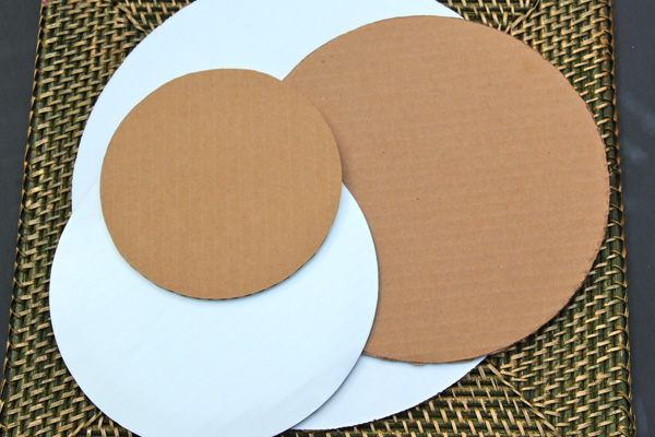 cardboard-rounds-for-cake-decorating