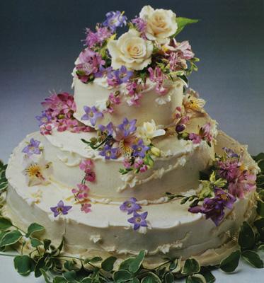garlands of flowers cake