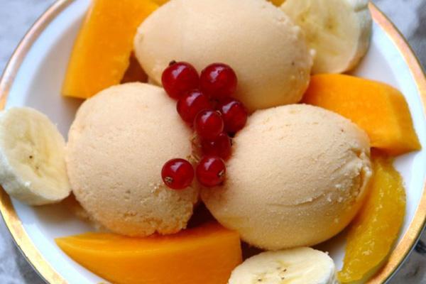 Papaya-banana-frozen-yogurt-recipe
