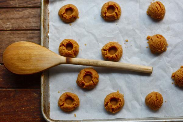 GF peanut butter cookies raw