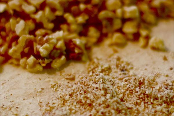 de-nuding walnuts 2