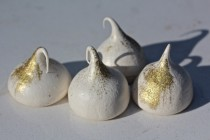meringues with gold dust