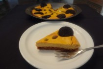 Pumpkin Cheesecake with Chocolate Cookies