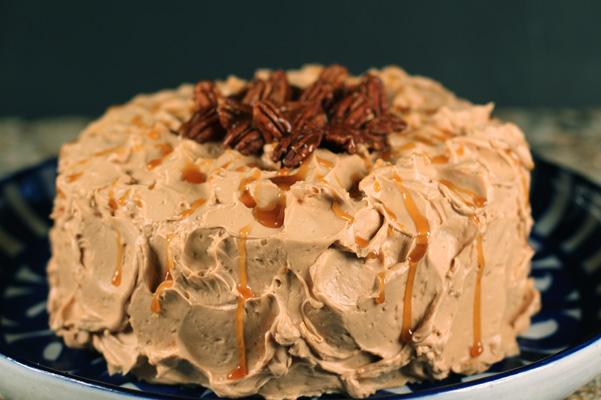 Caramel Buttercream tutorial recipe | Bakepedia