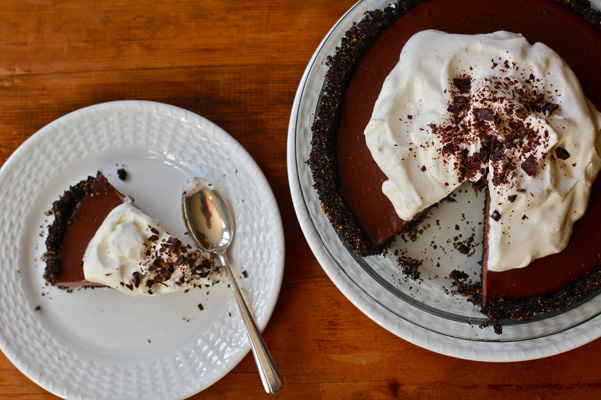 chocolate pudding pie slice