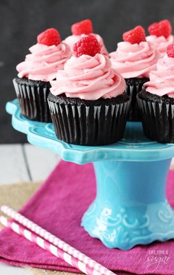 Raspberry_Chocolate_Cupcakes3