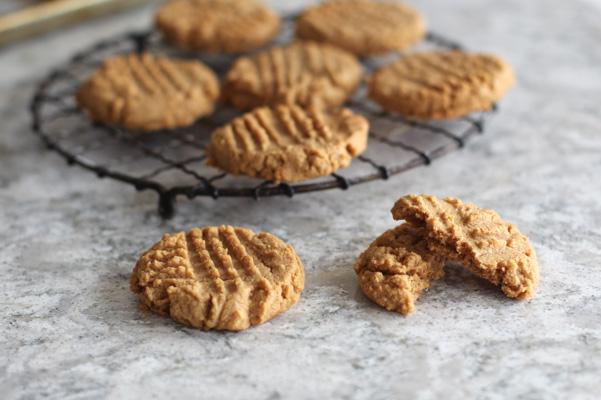 The Best Three-Ingredient Cookies aka Peanut Butter Cookies