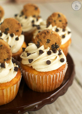 chocolate-chip-cookie-dough-cupcakes-3